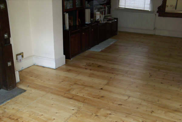 Floor Renovations offers floor sanding in Woodford, Hainult, Ilford and all areas of Redbridge in London.